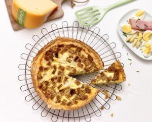 Graskäse-Torte mit Spargel